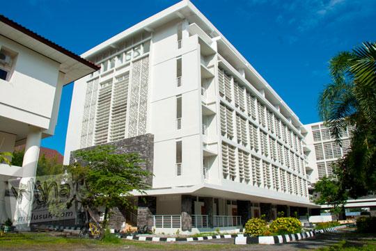 Gedung kuliah baru di kampus FMIPA Utara UGM di tahun 2016