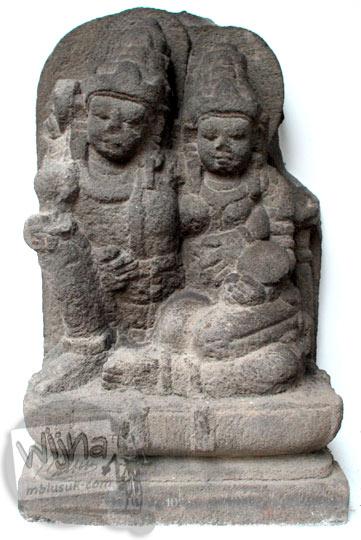 Arca Wisnu dan Lakshmi yang sangat langka koleksi museum Sonobudoyo, Yogyakarta pada tahun 2016