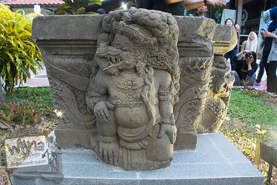 Yoni dengan relief garuda yang ada di Museum Sonobudoyo, Yogyakarta dicuri tahun 2016