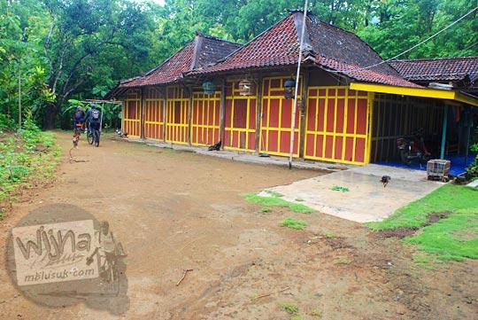 Foto Rumah tradisional limasan dari Yogyakarta yang ada di pelosok Bantul di tahun 2015
