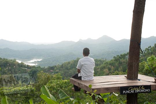contoh foto over exposure yang diambil di Canting mas Puncak Dipowono, Hargowilis, Kokap, Kulon Progo pada Januari 2016