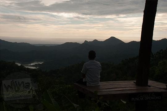 contoh foto under exposure yang diambil di Canting mas Puncak Dipowono, Hargowilis, Kokap, Kulon Progo pada Januari 2016