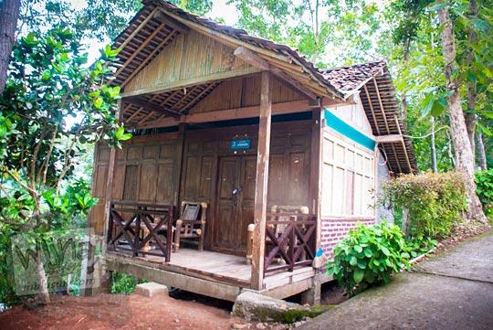harga tarif homestay dan penginapan sederhana di sekitar kawasan obyek wisata Kalibiru, Hargowilis, Kokap, Kulon Progo pada Januari 2016