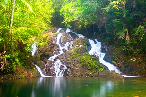Thumbnail artikel blog berjudul Pilihan yang Tersisa ke Air Terjun Gurok Beraye