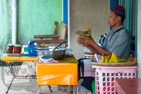 profil sejarah kisah hidup pak melan penjual nasi penggel khas kebumen