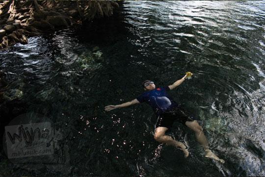 tips dan trik edit menghilangkan sensor foto berenang tanpa busana di Adobe Lightroom