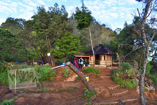 letak musala dan toilet di puncak Bukit Sikunir Dieng di Wonosobo Jawa Tengah