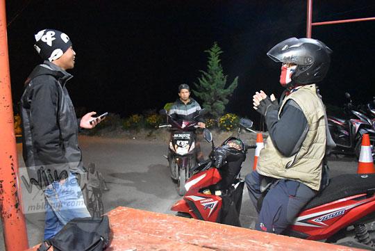 pengalaman buruk dipalak warga preman di gapura Desa Sembungan Kejajar Wonosobo Jawa Tengah karena tidak menginap di homestay