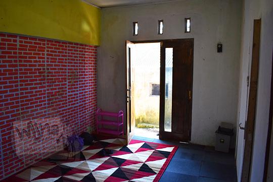 review menginap di salah satu homestay murah sederhana di Desa Sembungan Kejajar Wonosobo Jawa Tengah seharga lima puluh ribu rupiah per malam
