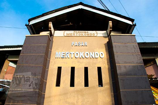 tulisan besar nama pasar mertokondo kebumen