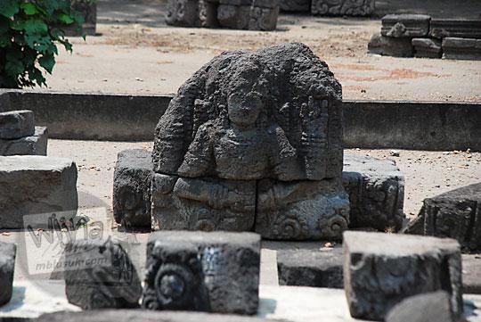 arca dewa hindu berwujud indah yang hanya tinggal separuh badan di Candi Surowono, Kediri