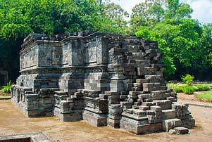 Cerita Relief di Candi Surowono