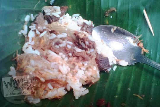 nasi krawu enak di jalan kyai haji kholil Gresik seberang indomaret