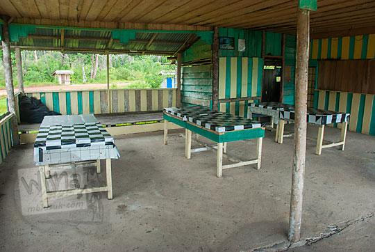 warung makan kedai kopi enak dekat obyek wisata pantai pasir panjang di pulau lingga kepulauan riau