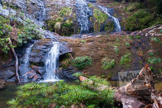 obyek wisata tersembunyi air terjun bertingkat di desa resun lingga