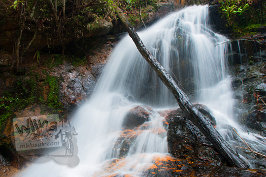 objek wisata baru di kepulauan riau indahnya air terjun desa resun lingga tanpa nama
