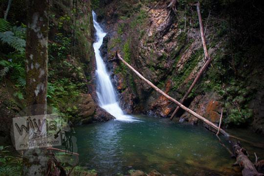 mitos cerita kolam keramat di dasar air terjun resun lingga kepulauan riau
