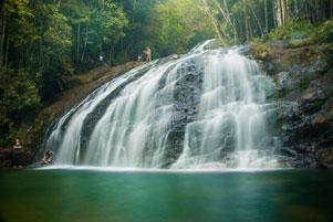 Thumbnail artikel blog berjudul Blusukan di Pulau Lingga: Misi Utama ke Air Terjun Resun