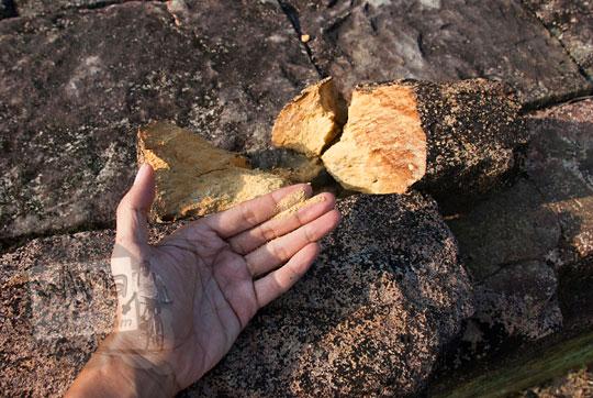 analisis penelitian pelapukan batu tufa yang menyusun pagar batu kompleks percandian muara takus riau