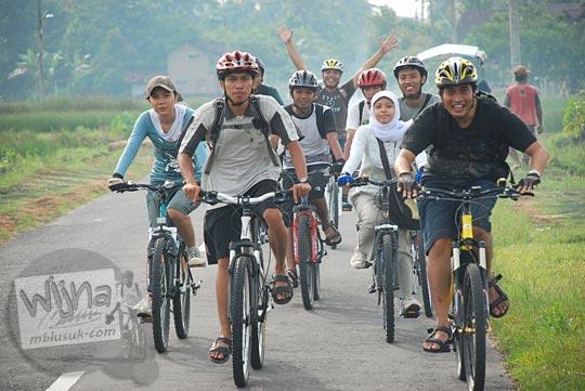cerita bersepeda kulon progo lewat jalan kebon agung
