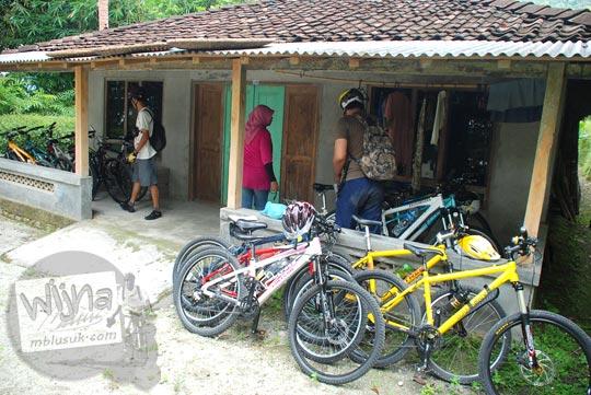lokasi parkir kendaraan sepeda curug sidoharjo samigaluh kulon progo