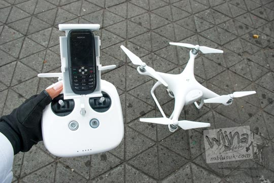tips trik setting cara mengendalikan drone dji phantom menggunakan dumbphone dan smartphone xiaomi asus htc selain iphone dan samsung