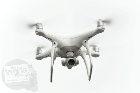 ulasan review kualitas foto video daya tahan baterai drone bagus merek dji phantom tempat jual murah di yogyakarta