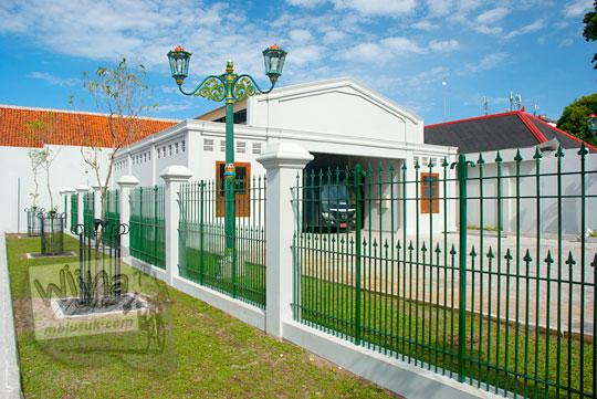 garasi kendaraan dinas gubernur yogyakarta yang baru di kompleks kepatihan danurejan