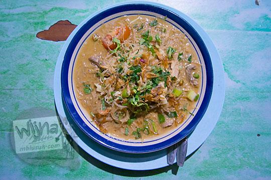 menu spesial bakmi kecap pedas banget di warung bakmi jawa colo di desa donotirto kretek bantul yogyakarta pada tahun 2018