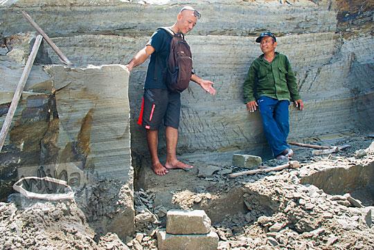 silaturahim mengenal hidup penambang batu breksi di Prambanan Sleman Yogyakarta pada April 2017