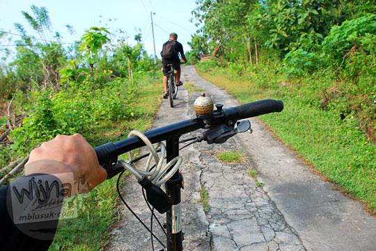 jalur bersepeda menanjak bukit di Piyungan, Bantul yang menantang bagi pesepeda pemula