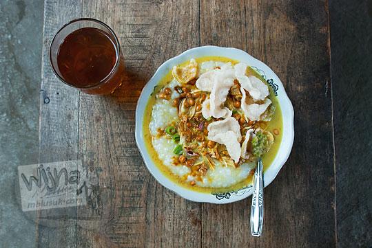 warung sarapan bubur ayam enak murah di pinggir jalan raya jogja wonosari