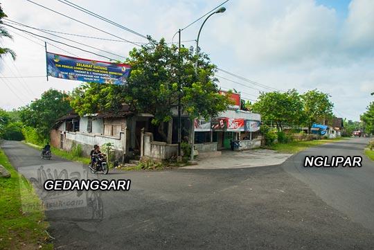 foto suasana di pertigaan jalan raya arah ke gedangsari dan nglipar