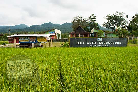 mitos cerita rakyat tentang tempat rest area gubug gedhe di desa ngalang gedangsari gunungkidul