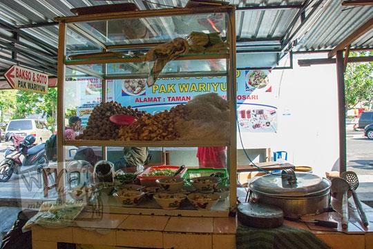 review warung soto dan bakso enak pak wariyun lokasinya di seberang pasar agrosari dekat taman kuliner wonosari
