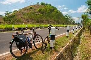 Nyepeda PEKOK ke Ponjong ke Nikahannya Sabbana