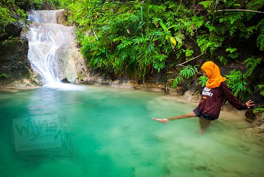 cewek jilbab mandi di kolam kedung grojogan pucung seloharjo pundong bantul yogyakarta pada zaman dulu
