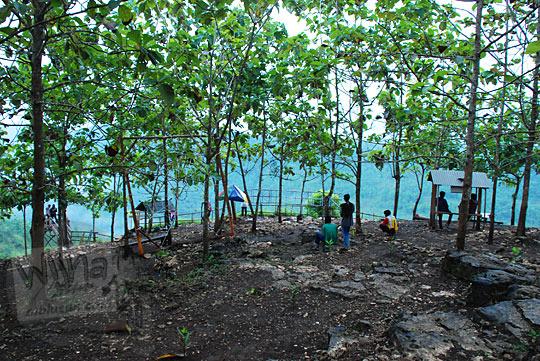 lokasi tempat mojok pacaran hutan sepi bebas di Bukit Panguk Kediwung Mangunan Dlingo Bantul Yogyakarta