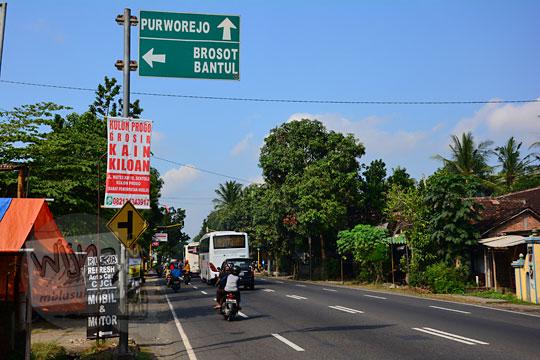 pilihan ruas jalan alternatif di Yogyakarta yang bebas macet sepi untuk mudik yang menghubungkan Sentolo dengan Galur serta Bantul dengan Kulon Progo