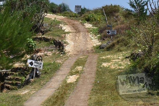 Titik nol awal anggaran dana proyek penghalusan perbaikan jalan Pantai Timang Gunungkidul Yogyakarta