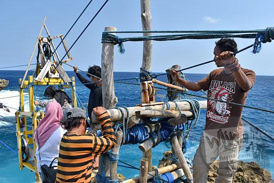 tarif naik gondola Pantai Timang Gunungkidul Yogyakarta