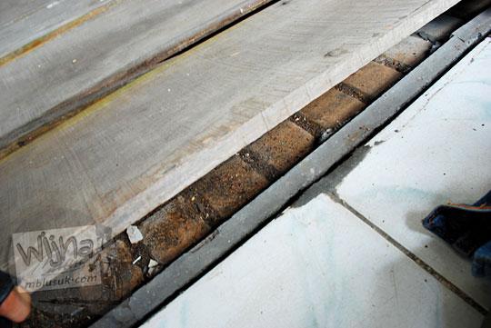 tegel antik lantai asli stasiun maguwo lama