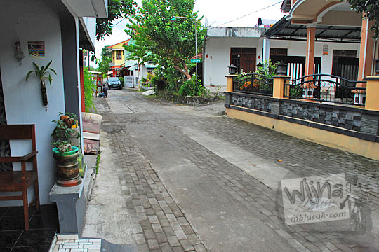 jalan kampung bekas rel kereta belanda jogja