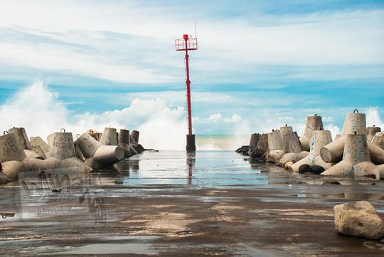 mercusuar pantai glagah kulon progo tempat lokasi foto instagram populer