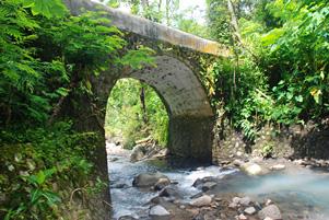 Kenangan Indah di Jembatan di Pelosok Girimulyo