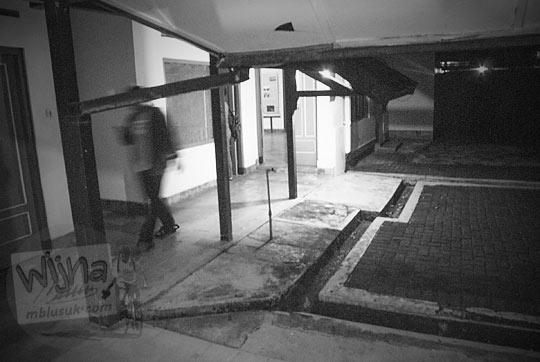 selasar cerita kisah angker hantu setan penampakan di Museum Universitas Gadjah Mada Yogyakarta