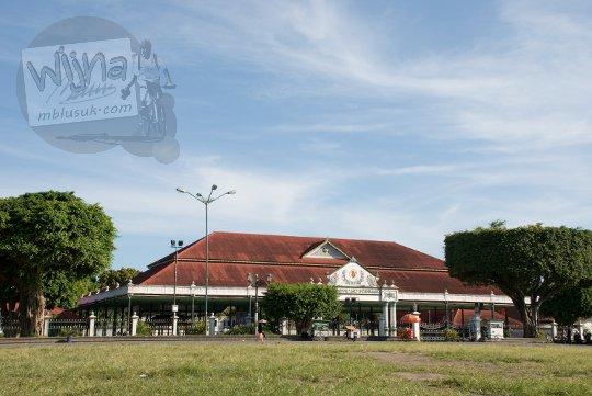 bentuk bangunan keraton yogyakarta pada zaman dulu tahun 2000