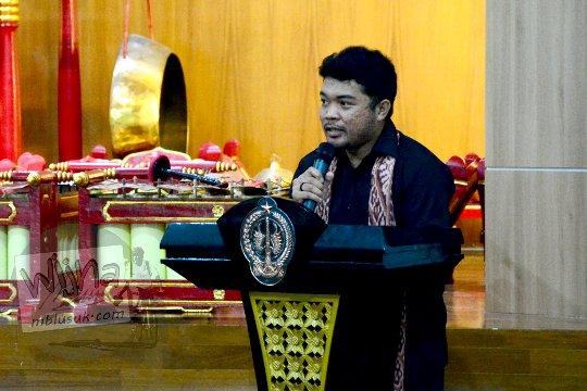 erwin djunaedi founder komunitas malam museum yogyakarta di seminar sejarah peradaban mataram islam