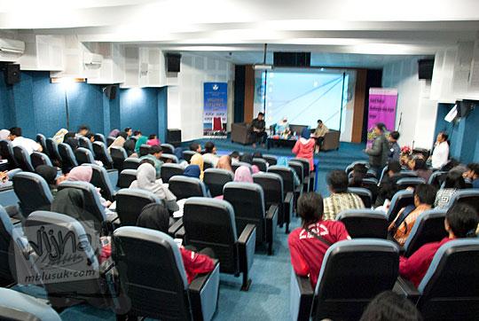Suasana tanya jawab peserta di acara Sosialisasi Cagar Budaya dan Aspek Kepurbakalaan di UNY