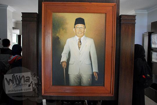 foto lukisan ki hajar dewantara koleksi museum pendidikan indonesia UNY